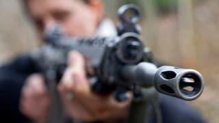 Doppel-Mord mit dem Sturmgewehr:  18 und 20 Jahre wegen Mord?