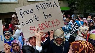 Kurz vor Wahlen: Türkische Regierung verbietet Zeitungen