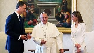 Königin Letizia: Fauxpas beim Papstbesuch