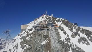 Erst letztes Jahr haben die Zermatt Bergbahnen eine neue Seilbahn auf das Klein Matterhorn gebaut.