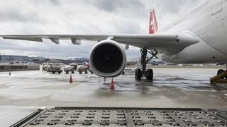 Zwei Swiss-Maschinen vom Blitz getroffen