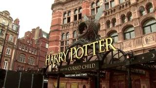 Grosses Theater um Harry Potter