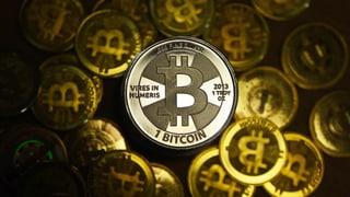 Der Kurs der Kryptowährung ist erneut um rund 20 Prozent gesunken. Kleinanleger werden langsam nervös. Weshalb lesen Sie hier.