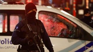 16 arrests tar pliras perquisiziuns da chasas en Belgia