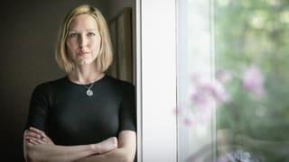 Missbrauch, Fantasien und Geschlechterrollen: Die Geschichten von April Ayers Lawson nehmen #MeToo vorweg.