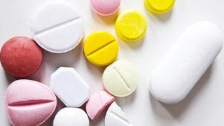 Form und Farbe von Tabletten sind nicht zufällig (Artikel enthält Audio)