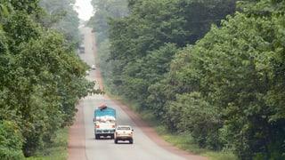 Unterwegs auf unsicheren Strassen: Basler Firma in Afrika