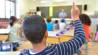 SVP setzt bei den Aargauer Schulen den Rotstift an