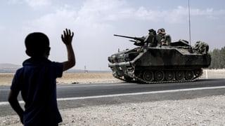 Die Türkei hat mit Luftschlägen eine Offensive gegen kurdische Truppen im Nordwesten Syriens begonnen.