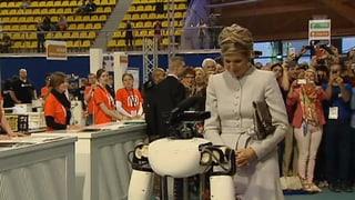 Königin Máxima erobert sogar Roboterherzen