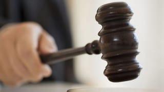 Wirt zu zwölf Jahren Freiheitsstrafe verurteilt (Artikel enthält Audio)