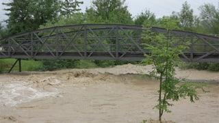 Dauerregen führt zu Überschwemmungen und Erdrutschen