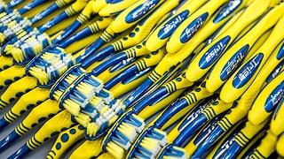 Zahnbürsten-Herstellerin Trisa putzt sich heraus (Artikel enthält Audio)