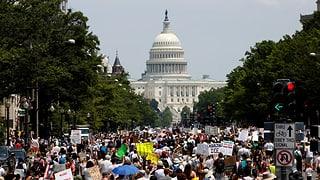 Landesweite Proteste gegen Trumps Immigrationspolitik