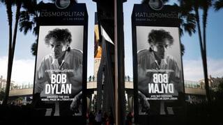 Dylan schweigt zu Nobelpreis