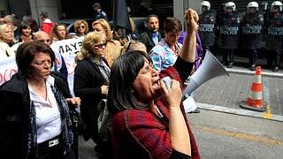 Proteste: Tausende Griechen wehren sich gegen Sparpolitik