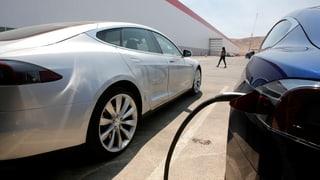 Tesla weitet Verlust aus