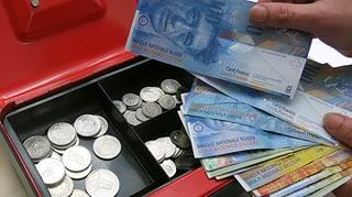 Höhere Steuern für alle im Kanton Schwyz