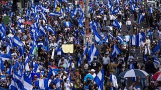 Hunderttausende fordern Rücktritt von Präsident Ortega
