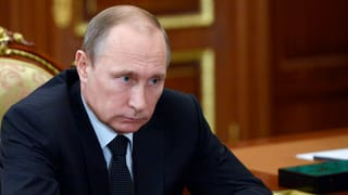 Putins Kurswechsel: Raus aus der Isolation