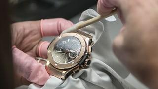 Teure Schweizer Uhren boomen im Ausland