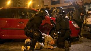 Arrestaziun da Puigdemont: Protestas violentas en Catalugna