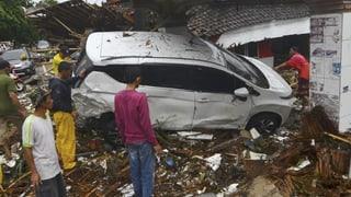 Il dumber d'unfrendas suenter il tsunami en l'Indonesia crescha