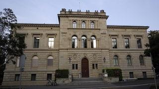 Der Kanton Zug scannt Steuerdaten nun doch selber ein