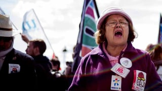 Proteste gegen Hollandes Arbeitsmarktreform arten weiter aus