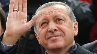 Erdogans AKP holt bei Neuwahlen die absolute Mehrheit zurück