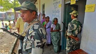 Blutiger Wahlsamstag in Indien