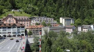 Grischun 2030 - Sche la populaziun va enavos, patescha l'ospital