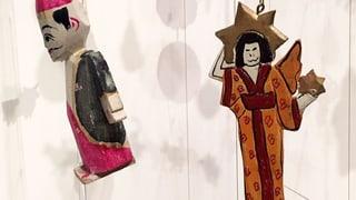 Christbaum mit Hakenkreuz, Engel im Kimono