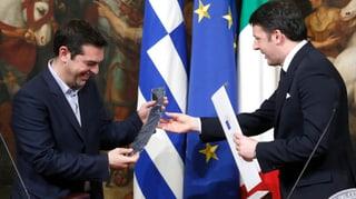 Erster Erfolg für Tsipras: eine Seidenkrawatte