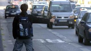 Tessiner finanzieren Parkbänke für Autostopper