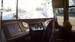 Die VBZ verbieten ihren Chauffeuren den Gebrauch von Smartphones am Steuer. Wer sich nicht daran hält, wird entlassen.