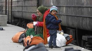 Gestrandete Flüchtlinge in Griechenland – Helfer erzählen