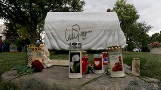 Ein weisser Marmorflügel erinnert an ihn: Udo Jürgens beigesetzt