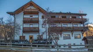 Hotel Ucliva: 13'000 da 100'000 francs èn ensemen