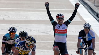 Cancellara gewinnt Paris-Roubaix und schreibt Geschichte