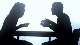 Paare schauen Streitverhalten im TV ab