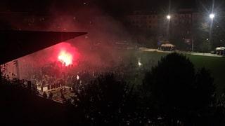 Tausende Fans feiern ihren FCB