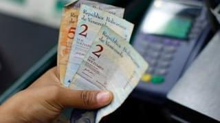 Venezuela wertet Landeswährung kräftig ab