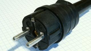 Mehr Elektrogeräte mit verbotenen Steckern (Artikel enthält Audio)