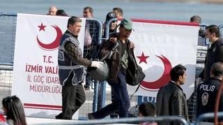 Erste Flüchtlinge in die Türkei abgeschoben