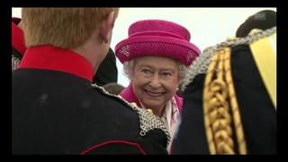 Lady in Pink: Queen strahlt nach Geburt ihrer Urenkelin