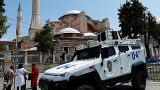 1'800 ulteriurs policists sin las vias d'Istanbul