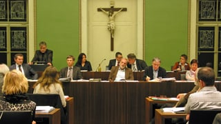 Zuger Stadtregierung legt Einkünfte offen