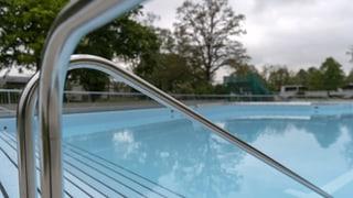 Badi soll wegen Klimawandel länger offen halten