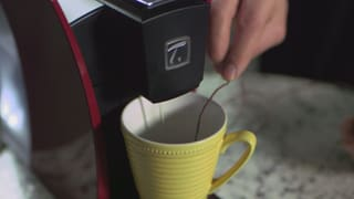 Video «Serie Hightech im Haushalt: Der Tee auf Knopfdruck» abspielen